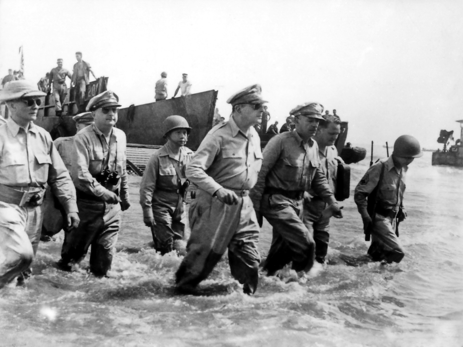 General Douglas MacArthur, Leyte Landing 20th October 1944